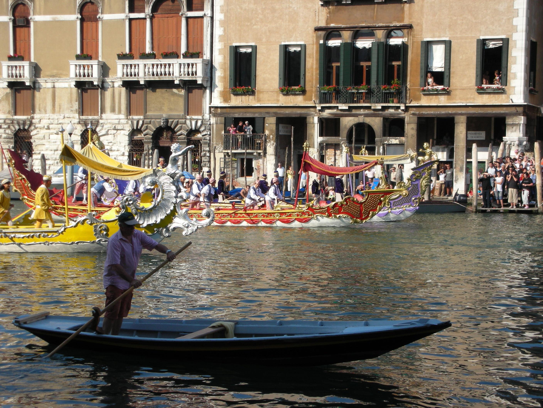Itálie - Benátky - slavnost gondol na Grand Canale