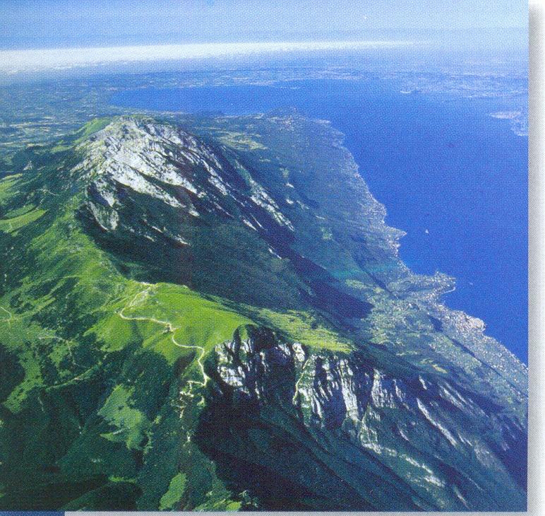 Itálie - Lago di Garda a hřeben Monte Baldo