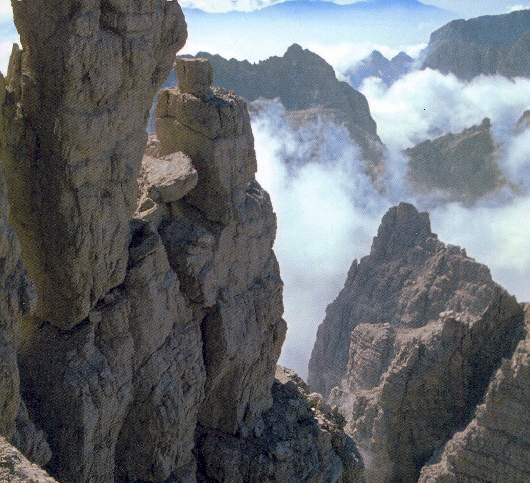 Itálie - Dolomity - svět vápencových věží, mlh a ticha