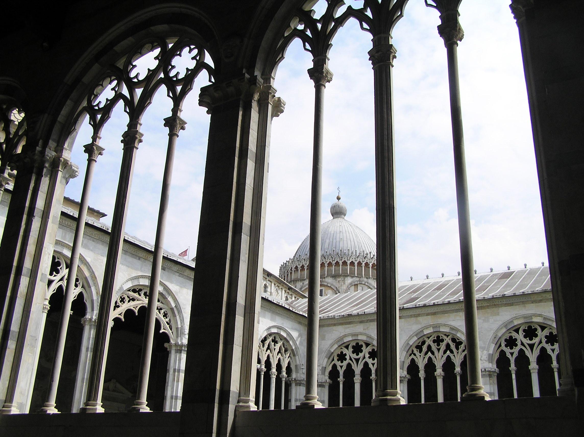 Itálie - Toskánsko - Pisa, Camposanto, mramorové arkády