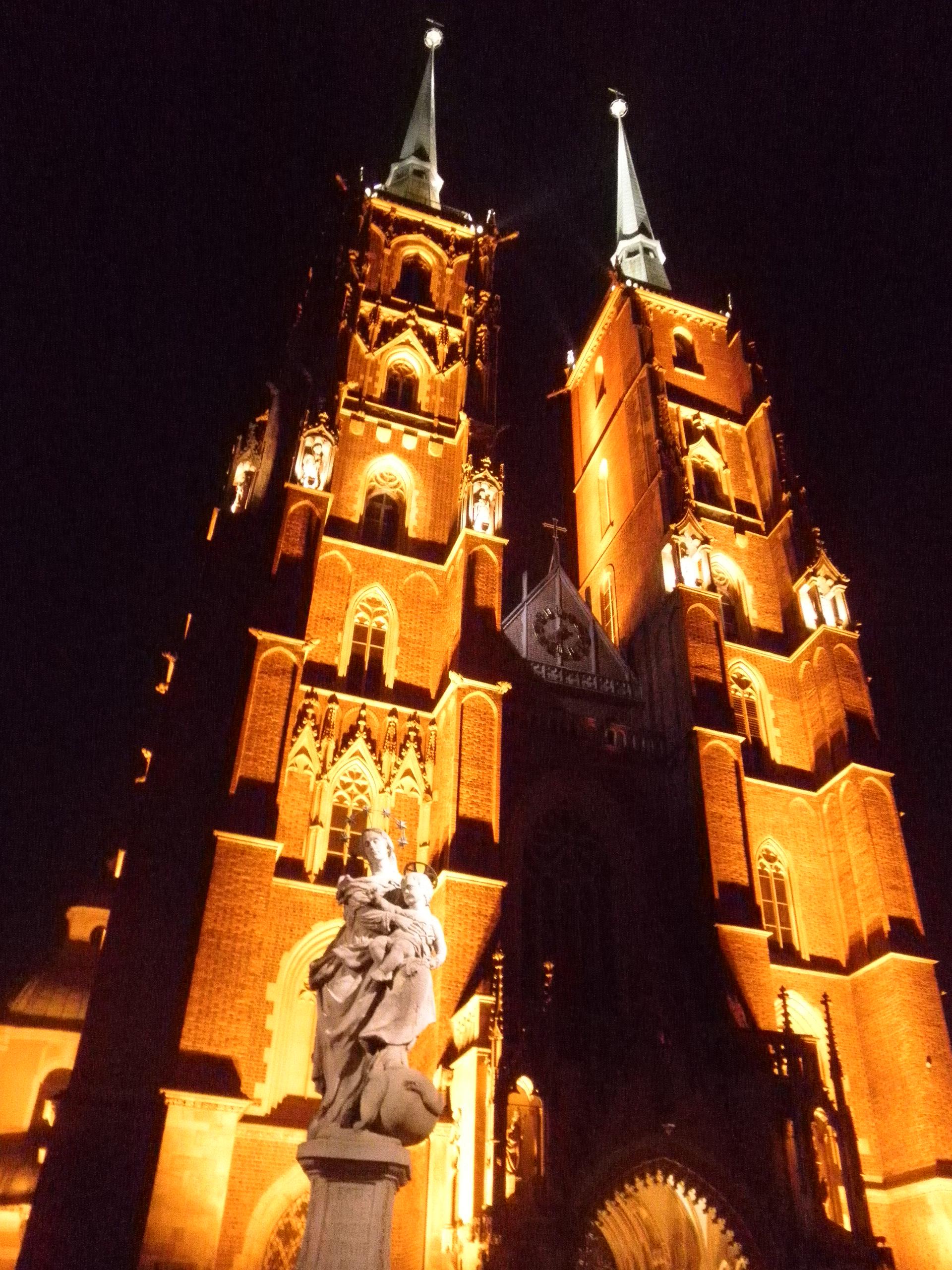 Polsko - Vratislav, sv.Jan Křtitel, po Mongolech got. cihlový, 1244-1341