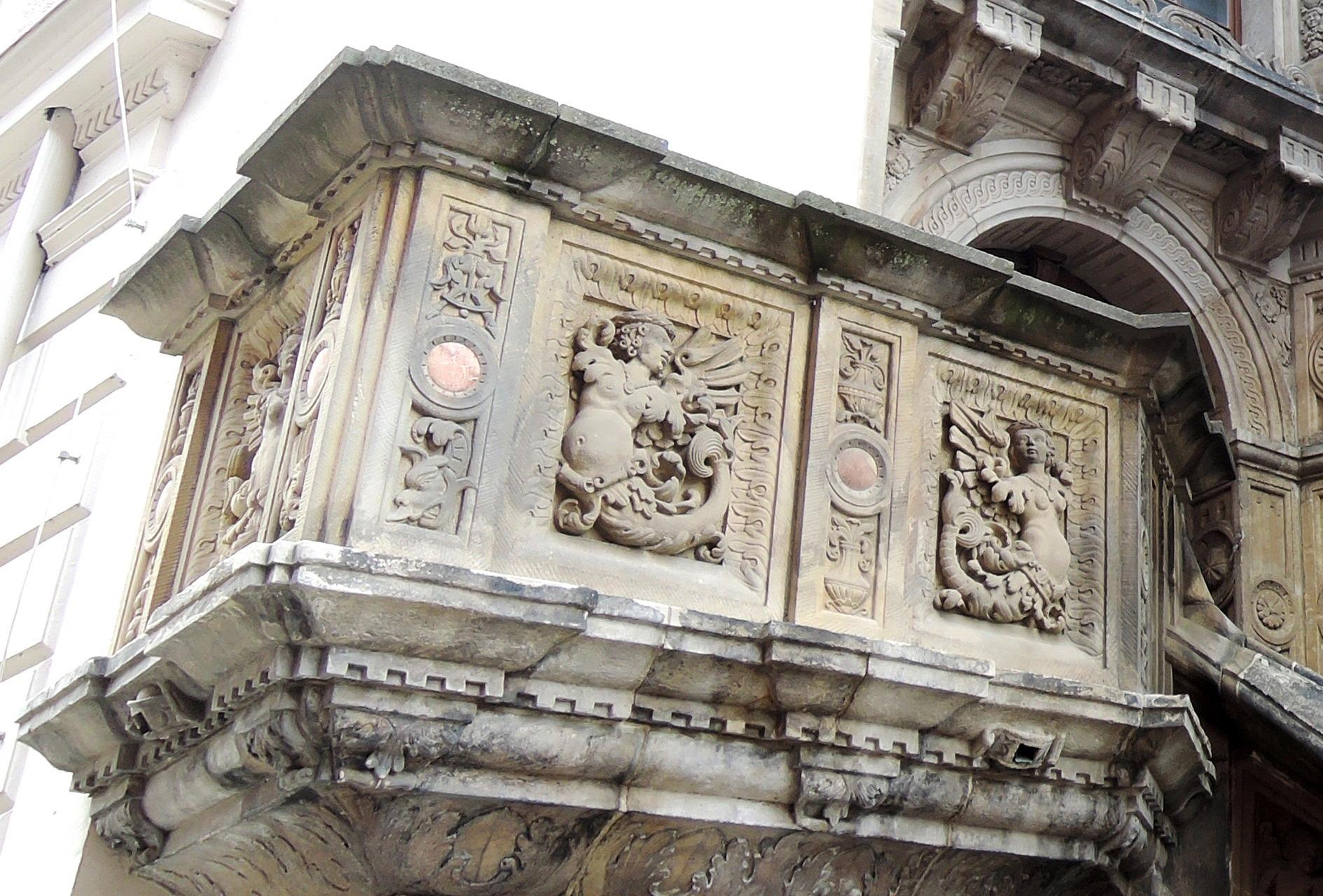 Německo - Lužice - Zhořelec, Stará radnice, kazatelna 1537-8, Sirény, sochař A.Walther