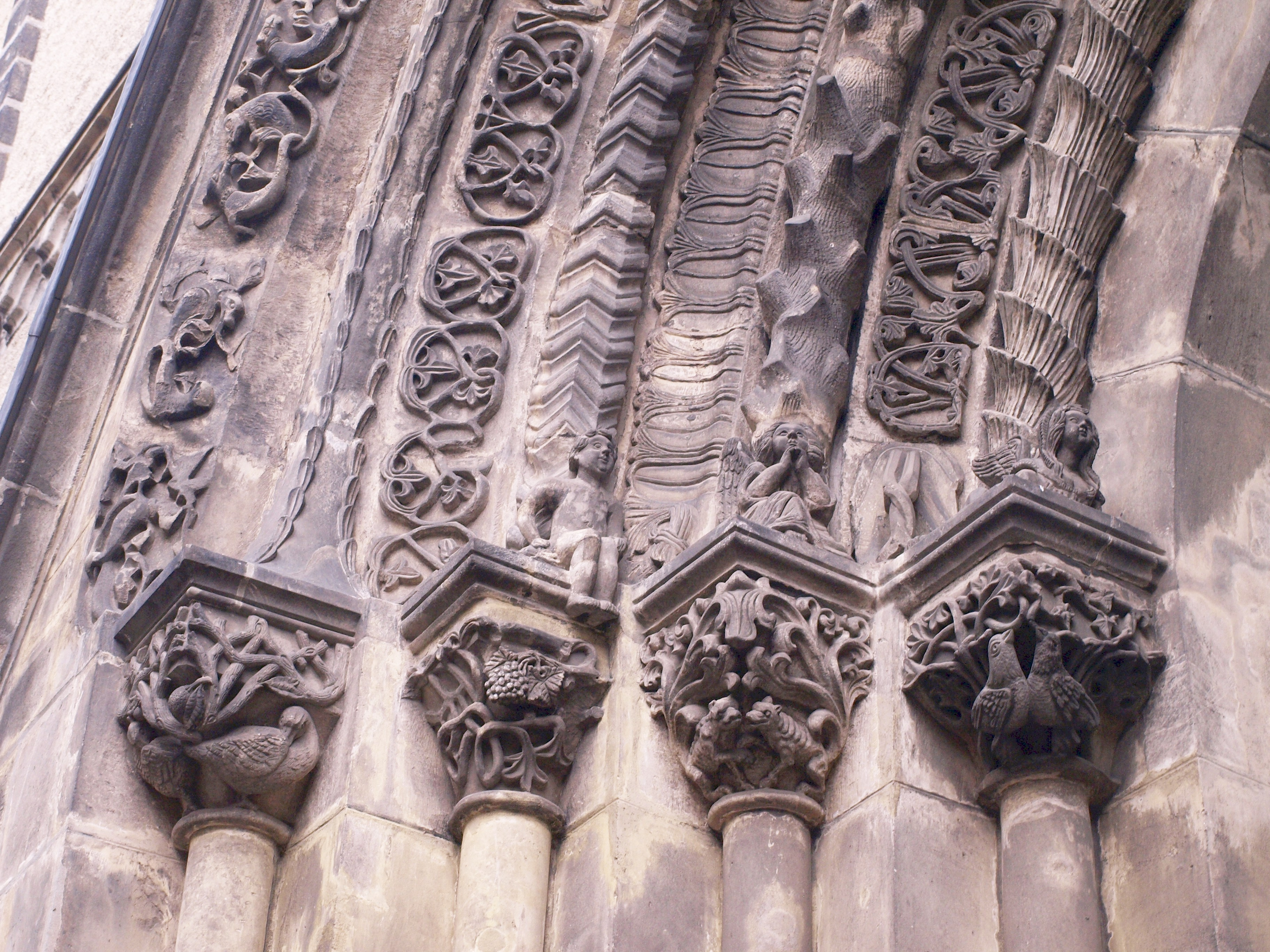 Německo - Lužice - Zhořelec, Peterskirche, Z portál, pozdně románský, 1240
