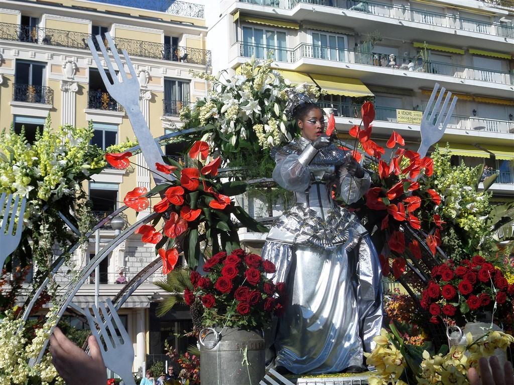 zajímavosti - Fracie -  Nice - slavnost Les Batailles de Fleurs