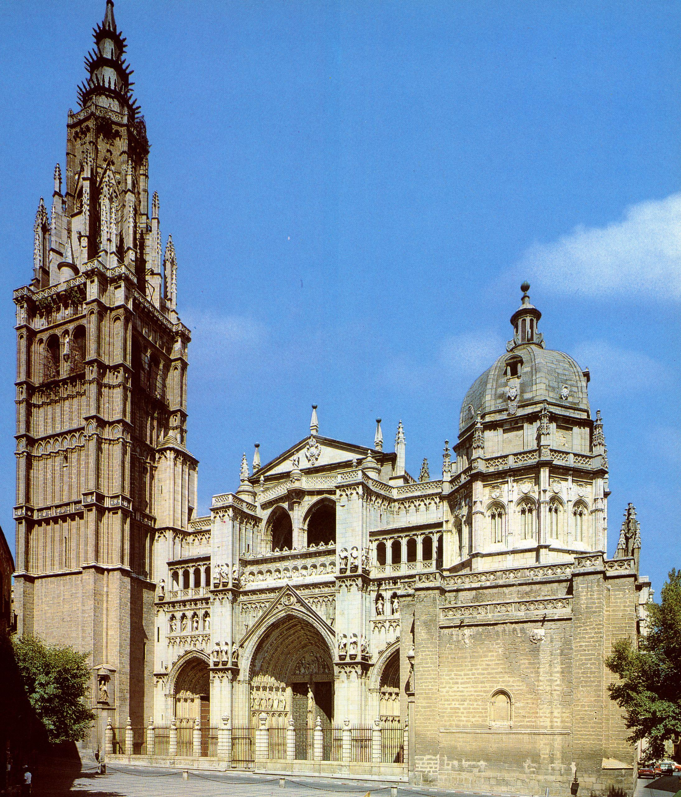 Španělsko - Toledo - katedrála, 1226-1493, gotická s platareskními prvky, dominuje městu