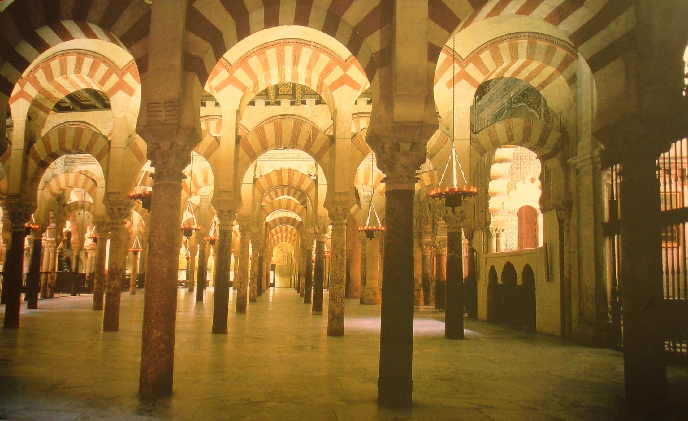 Španělsko - Andalusie - Cordoba, Velká mešita, 450 sloupů z žuly jaspisu a mramoru podpírá strop