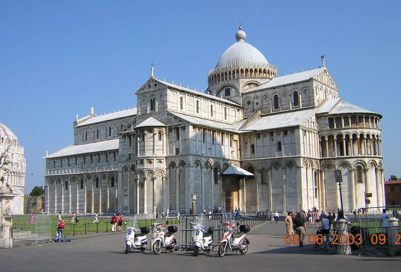 Itálie - Toskánsko - Pisa, dóm v pisánském románském slohu, budován od roku 1064