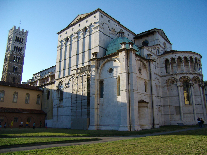 Itálie, Toskánsko, Lucca, jeden z románských kostelů