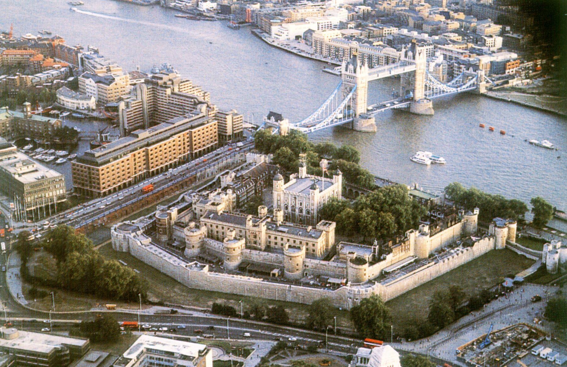 Velká Británie - Anglie - letecký pohled na střed Londýna