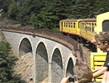 zajímavosti - Francie - Languedoc - Train Jaune má elektrický pohon a některé vagony otevřené