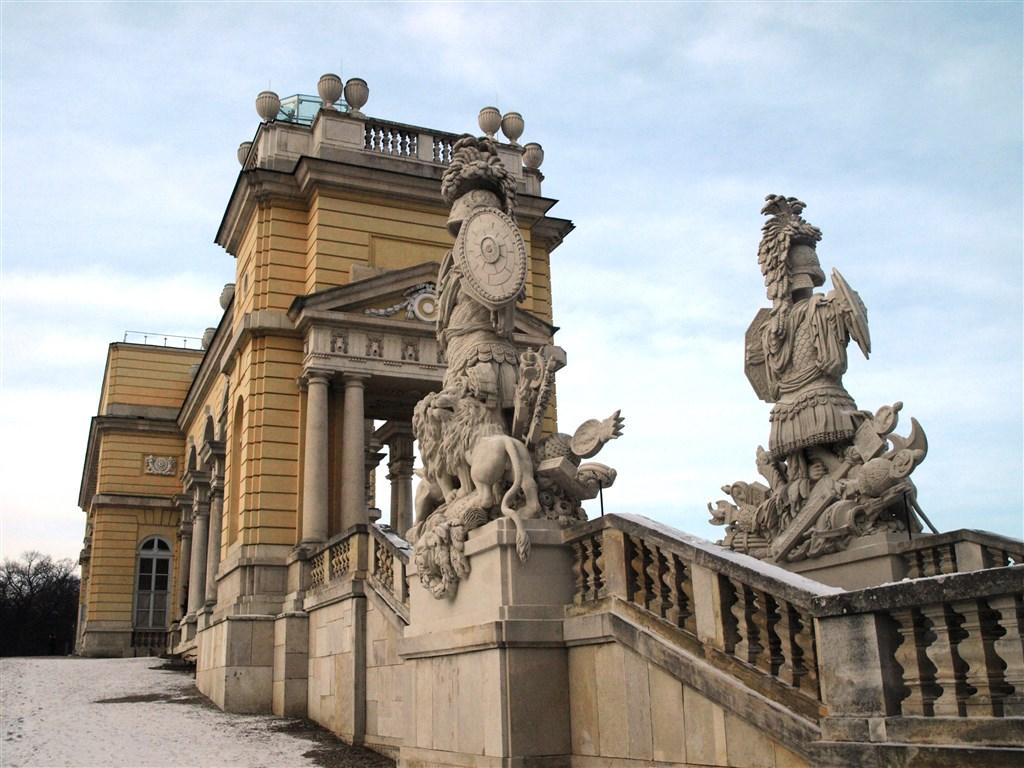 národní parky a zahrady - Rakousko - Vídeň - Schönbrunn, Gloriette, 1775, na pamět vítězství v bitvě u Kolína