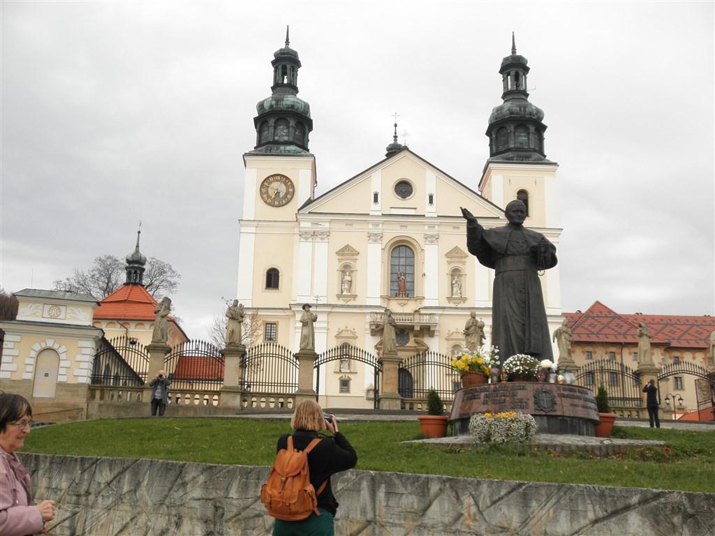 zájezdza uměním výstavy a architektura - Polsko - Kalwaria Zebrzyndowska - bazilika P.Marie, 1603-9, návrh G.M.Bernardoni
