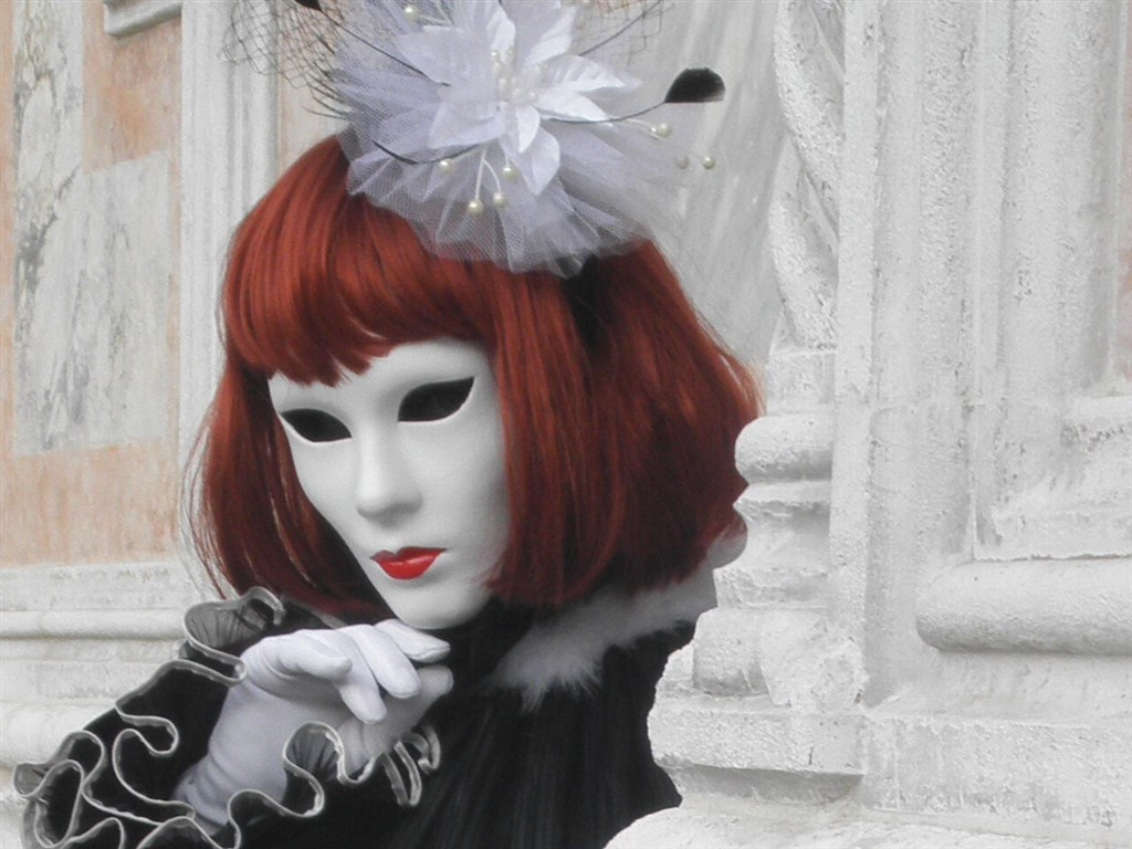 zajímavosti - Itálie - Benátky - i zdejší karneval hýří tvary a barvami