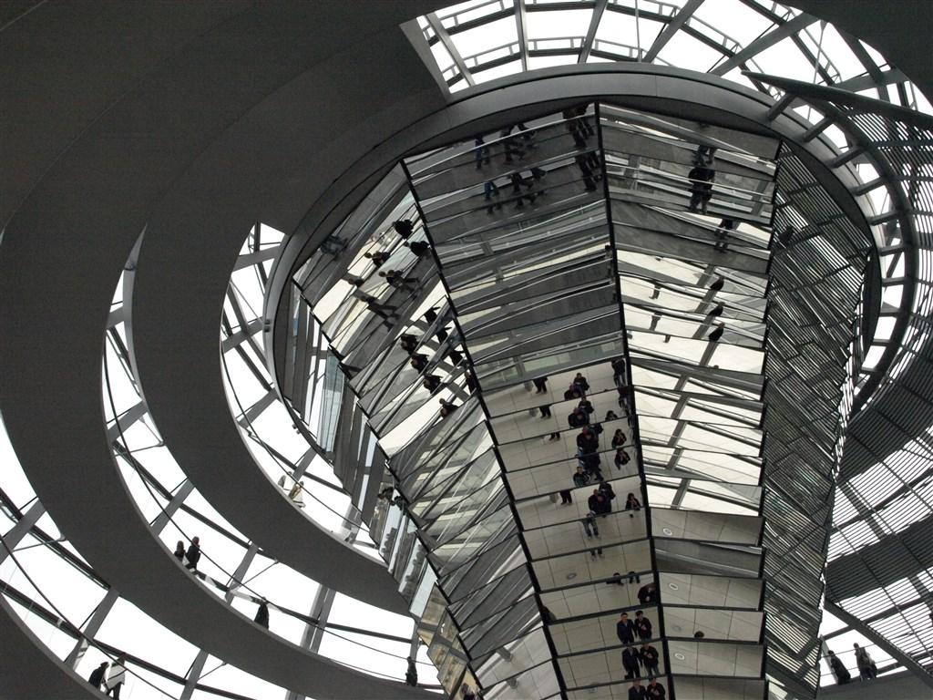 zajímavosti - Německo - Berlín - Reichstag, interiéry kopule